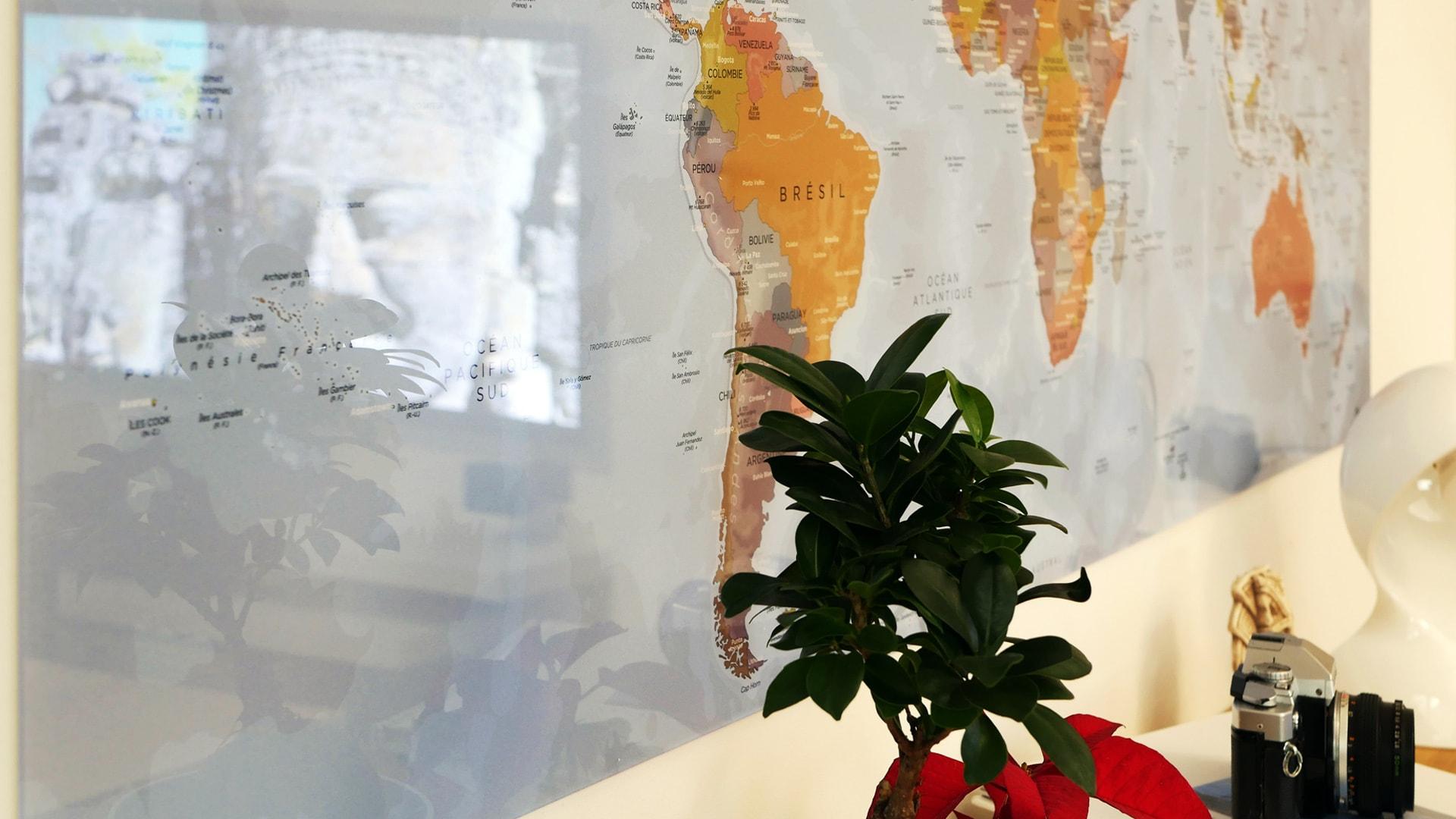 carte du monde tableau mappemonde tableau world map angkor. Black Bedroom Furniture Sets. Home Design Ideas